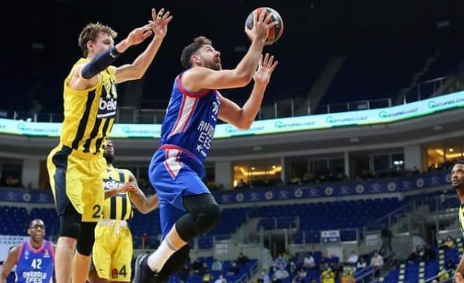 EuroLeague'deki Türk derbisi Anadolu Efes'in