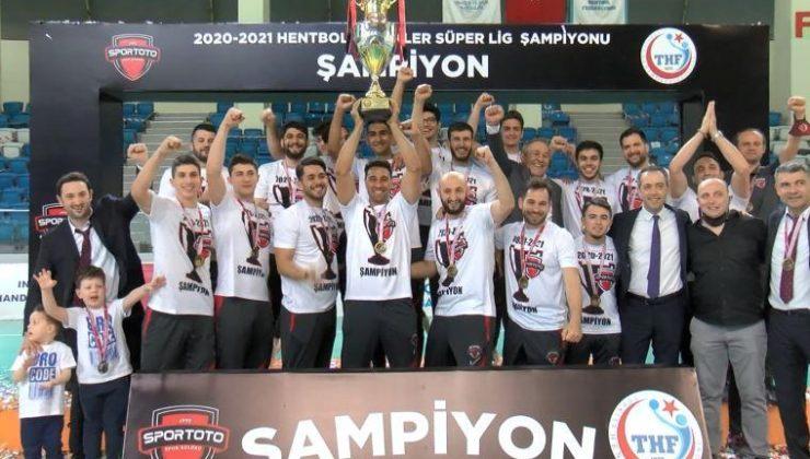 Spor Toto Hentbol Takımı şampiyonluk kupasını aldı