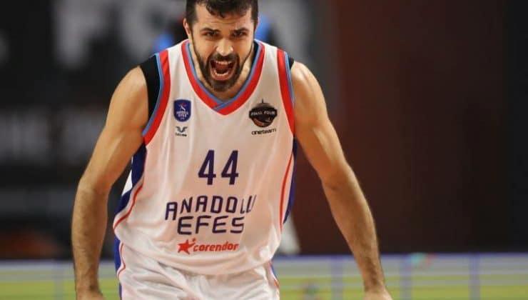 Anadolu Efes'in Hırvat oyuncusu Krunoslav Simon, kariyerini ve sezonu değerlendirdi