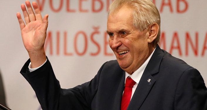Çekya Devlet Başkanı Zeman'dan Tihanovskaya'ya Belarus Muhalefeti Ofisi'ni Prag'da açma teklifi