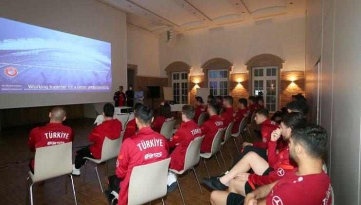 Jaap Ulienberg'den A Milli Takım'a VAR eğitimi