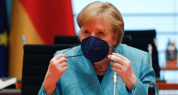 Merkel: Kovid-19 vaka sayısı açısından gelişmeler son derece sevindirici